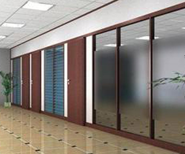 另外用压花玻璃,磨砂玻璃,喷漆玻璃等也可用于墙柱上做装饰.